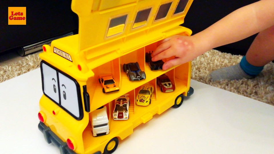 LittleBoy Unpacking Car School Bus Toy