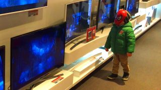 Little Boy Spider-Man goes to buy TV