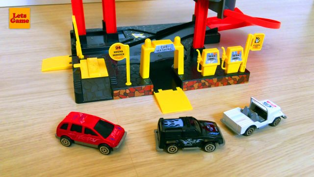Little Boy SpiderMan Adam Play with Cars Set