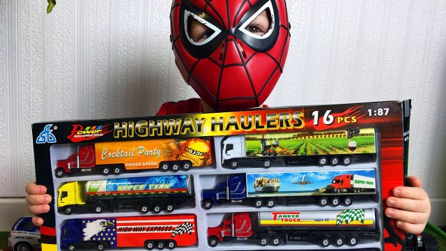 LittleBoy Adam Spider-Man Unpacking Cars Toys