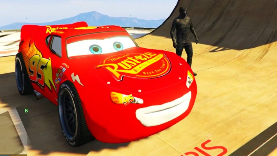 Noir Spiderman et Disney Cars Lightning McQueen