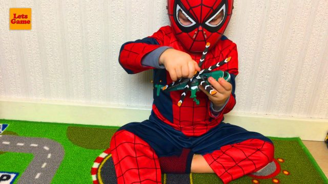 Spider-Man Unpacking Hot Wheels Cars and Helicopter