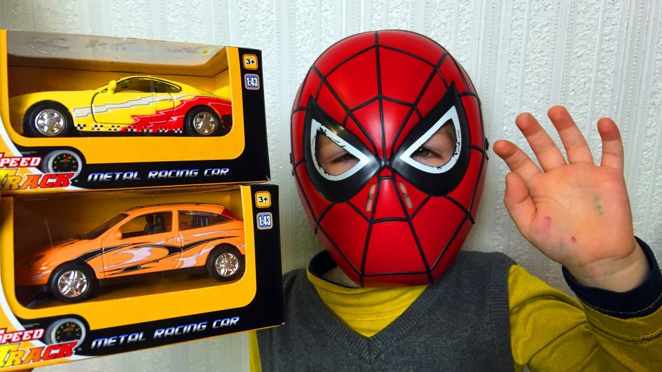 Spider-Man Unpacking Speed Track Cars Toys