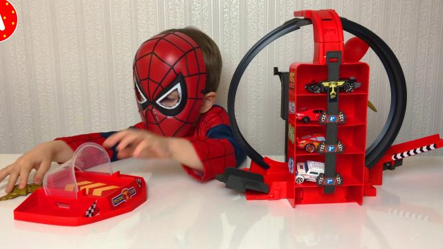 Superhero Spider-Man Adam Unpacking Disney Pixar Lightning McQueen Car Set