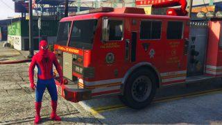 Un Camion de Pompier et SpiderMan