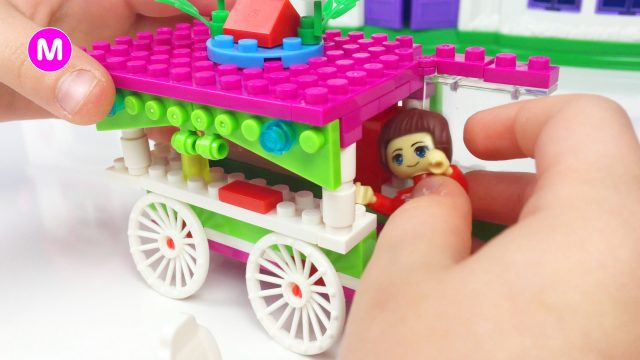 LittleGirl Manina Unpacking BanBao Toys