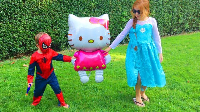 Spider-Man and Frozen Princessa Elsa Playing In The Park